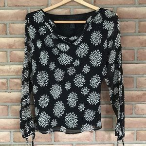The Limited size M 100% silk top